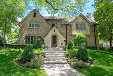 6248 Upper Parkway N, Wauwatosa, WI 53213 - #: 1640793