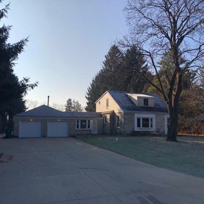 6715 W Donges Bay Rd, Mequon, WI 53092 - #: 1641125