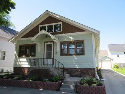1330 Bluff Ave, Sheboygan, WI 53081 - #: 1641518