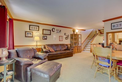 4659 S Woodland Dr, Greenfield, WI 53220 - #: 1641779