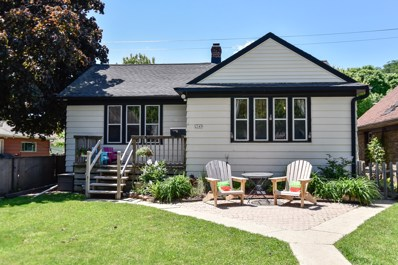 2549 N 63rd St, Wauwatosa, WI 53213 - #: 1642096
