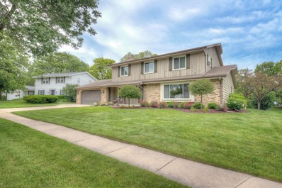 8836 Greenview Ln, Greendale, WI 53129 - #: 1645465