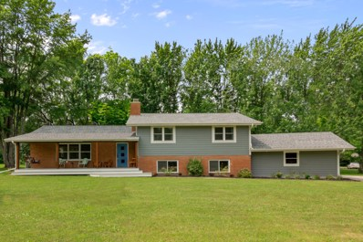 1369 Glenbrook Dr, Cedarburg, WI 53024 - #: 1645954