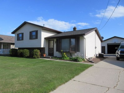 2419 Grand Ave, Manitowoc, WI 54220 - #: 1651301