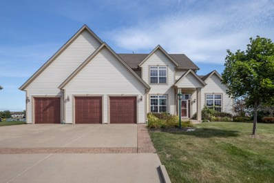 3224 E Lindy Ln, Oak Creek, WI 53154 - #: 1657036