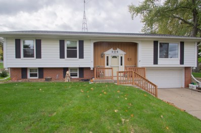 306 S Concord Ave, Watertown, WI 53094 - #: 1659772