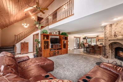 S75W21023 Field Dr, Muskego, WI 53150 - #: 1668173