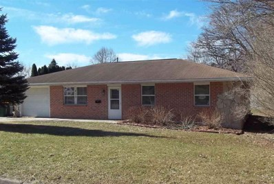 613 Cloute St, Fort Atkinson, WI 53538 - MLS#: 1852102