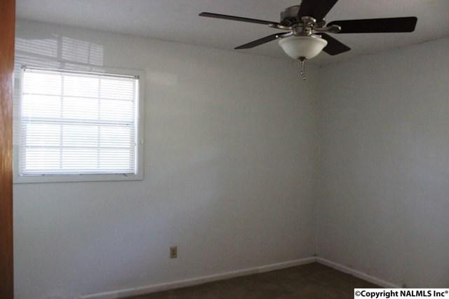 $79,500   1022  Lindsey Drive Centre,AL,35960 - MLS#: 1080668
