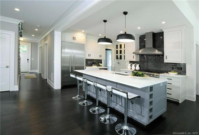 $2,400,000 | 102  Hendrie Avenue Greenwich,CT,06878 - MLS#: 170219060
