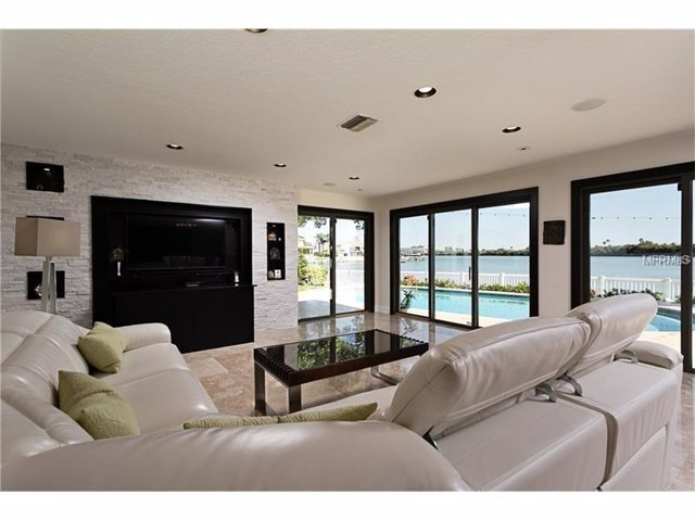 $1,200,000 | 1  Leeward Island Clearwater Beach,FL,33767 - MLS#: U7826672