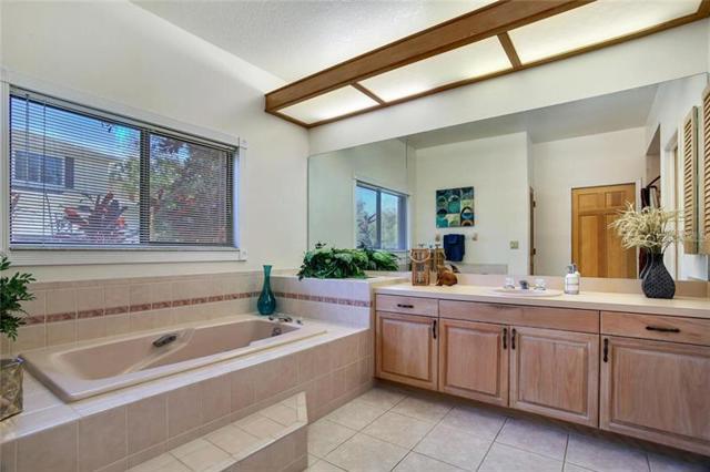 $725,000   8602  Burning Tree Circle Seminole,FL,33777 - MLS#: U8028324