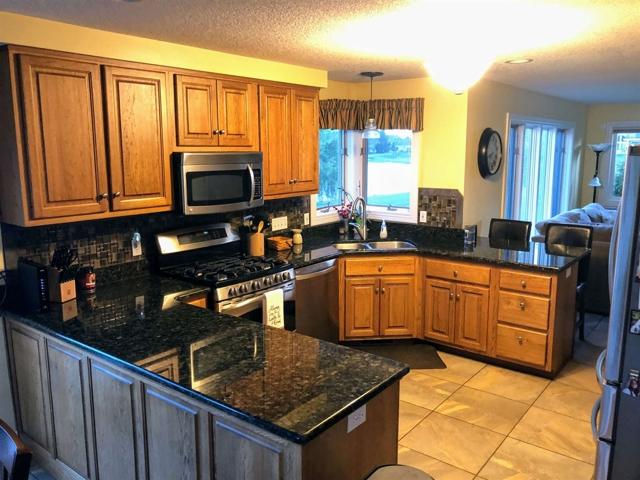 $365,000   2201  Stonebriar Fort Wayne,IN,46814 - MLS#: 201940862