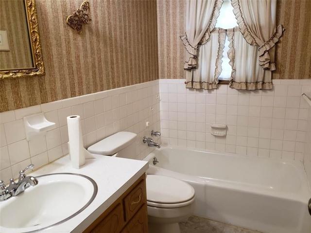 $150,000   13011 Manchester Avenue Grandview,MO,64030 - MLS#: 2177036