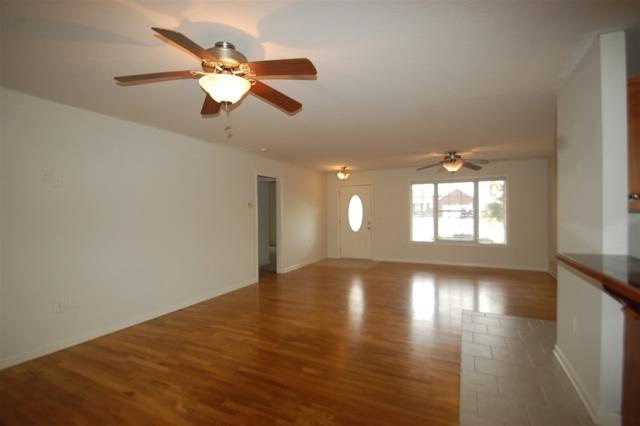 $232,900 | 136  Roswell Drive Elizabethtown,KY,42701 - MLS#: 10051535
