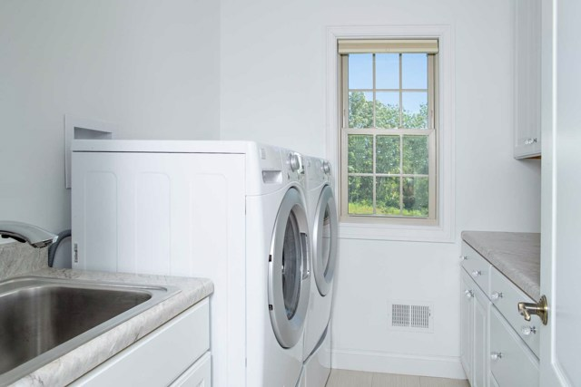 $789,900 | 22  Caliburn Ct Wappinger,NY,12590 - MLS#: 382442