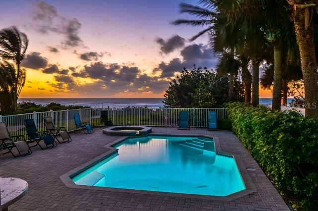$2,950,000 | 2718  Gulf Boulevard  3 Indian Rocks Beach,FL,33785 - MLS#: U8037470